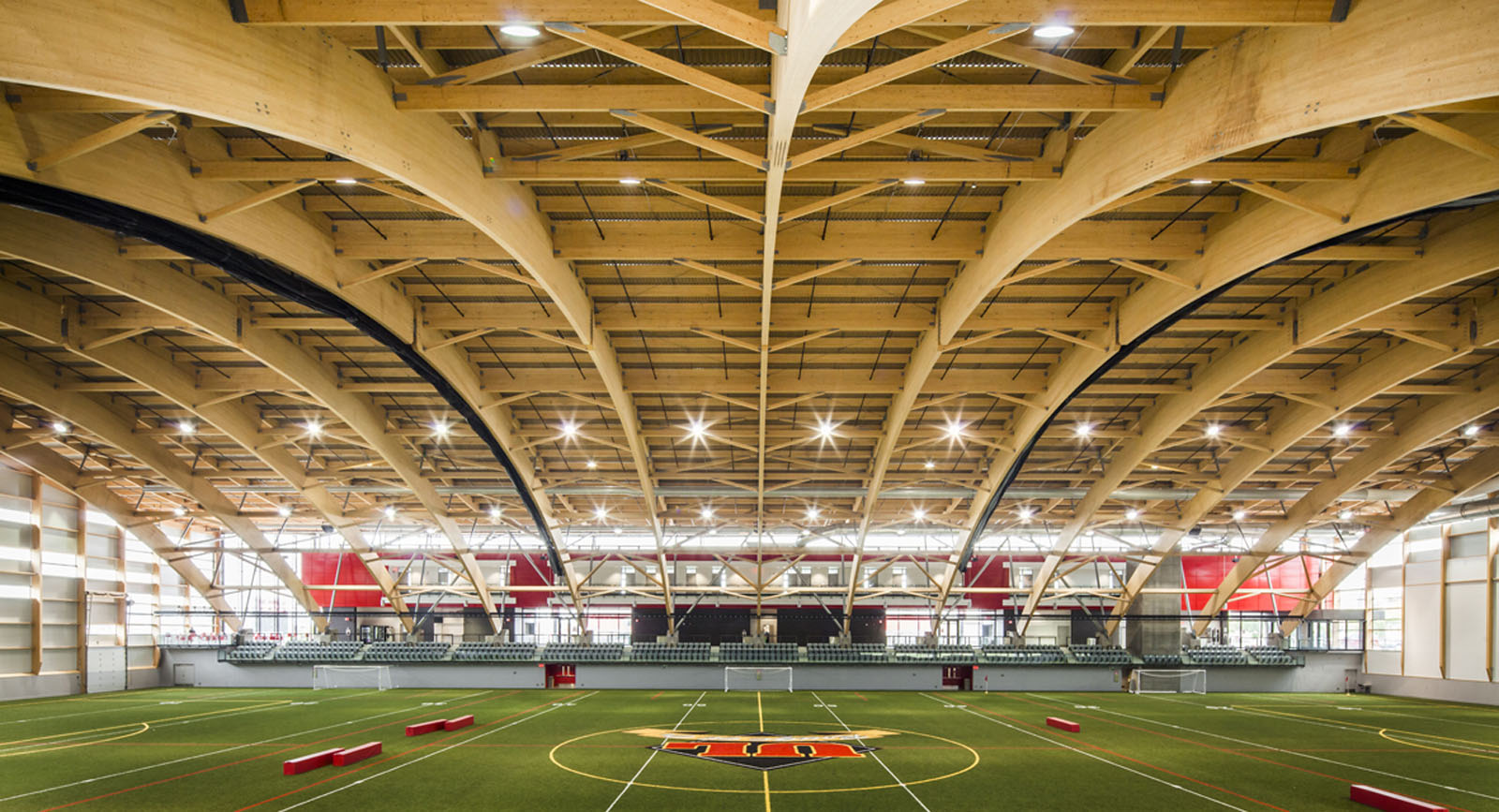 Stade telus abcp for Piscine universite laval